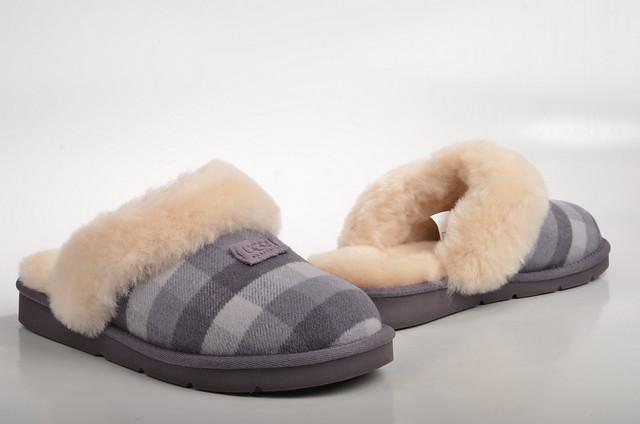 ugg australia cozy flannel hausschuh pantoffel lammfell gef ttert 1005411 flannel grau kariert. Black Bedroom Furniture Sets. Home Design Ideas