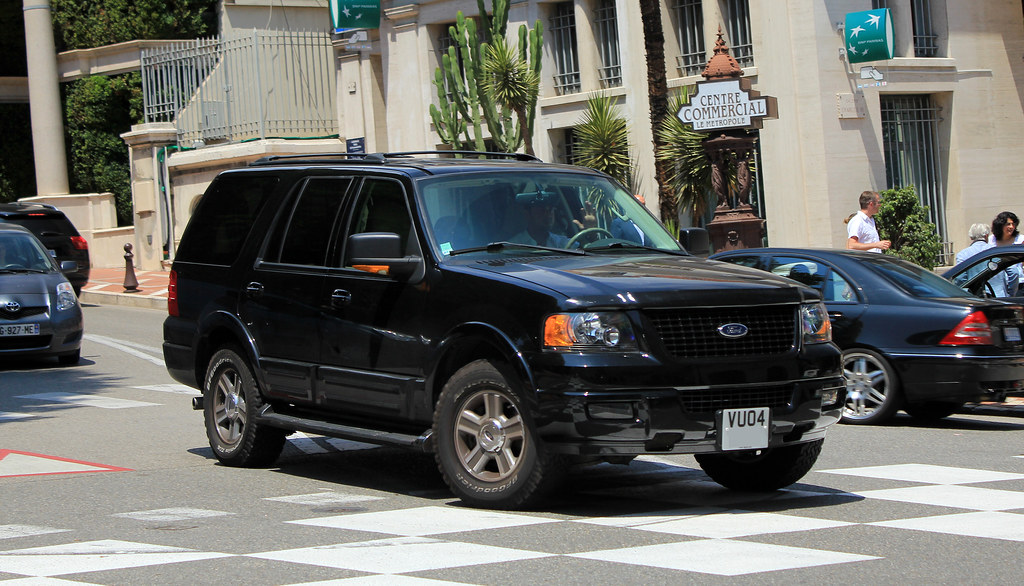 Blacked Out Ford Expedition >> 2004 Ford Expedition [U222] Eddie Bauer Premier | Avenue de … | Flickr