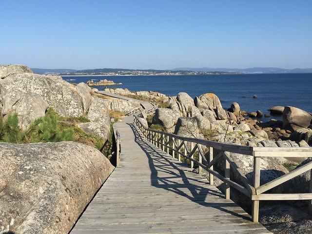 Pasarela de madera de San Vicente do Mar (Pedras Negras - Con Negro)