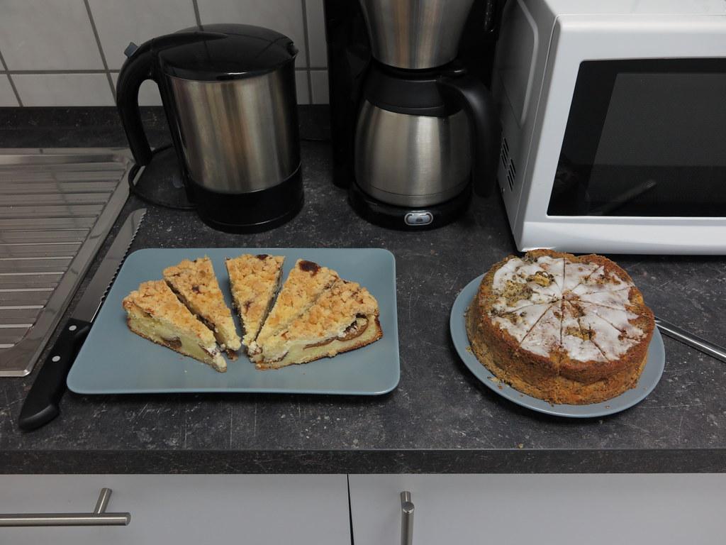 Kuchen Im Buro Anlasslich Meines Geburtstages Gourmandise Flickr