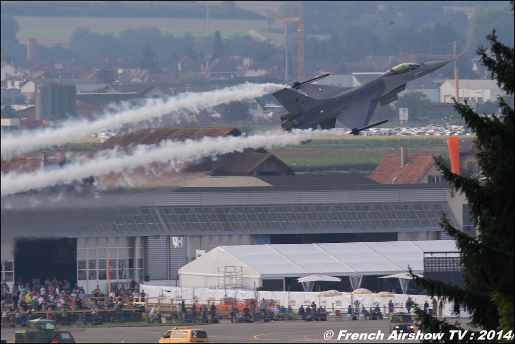 F-16 Demo Team RNLAF AIR14 Payerne 2014 Canon Sigma France contemporary lens