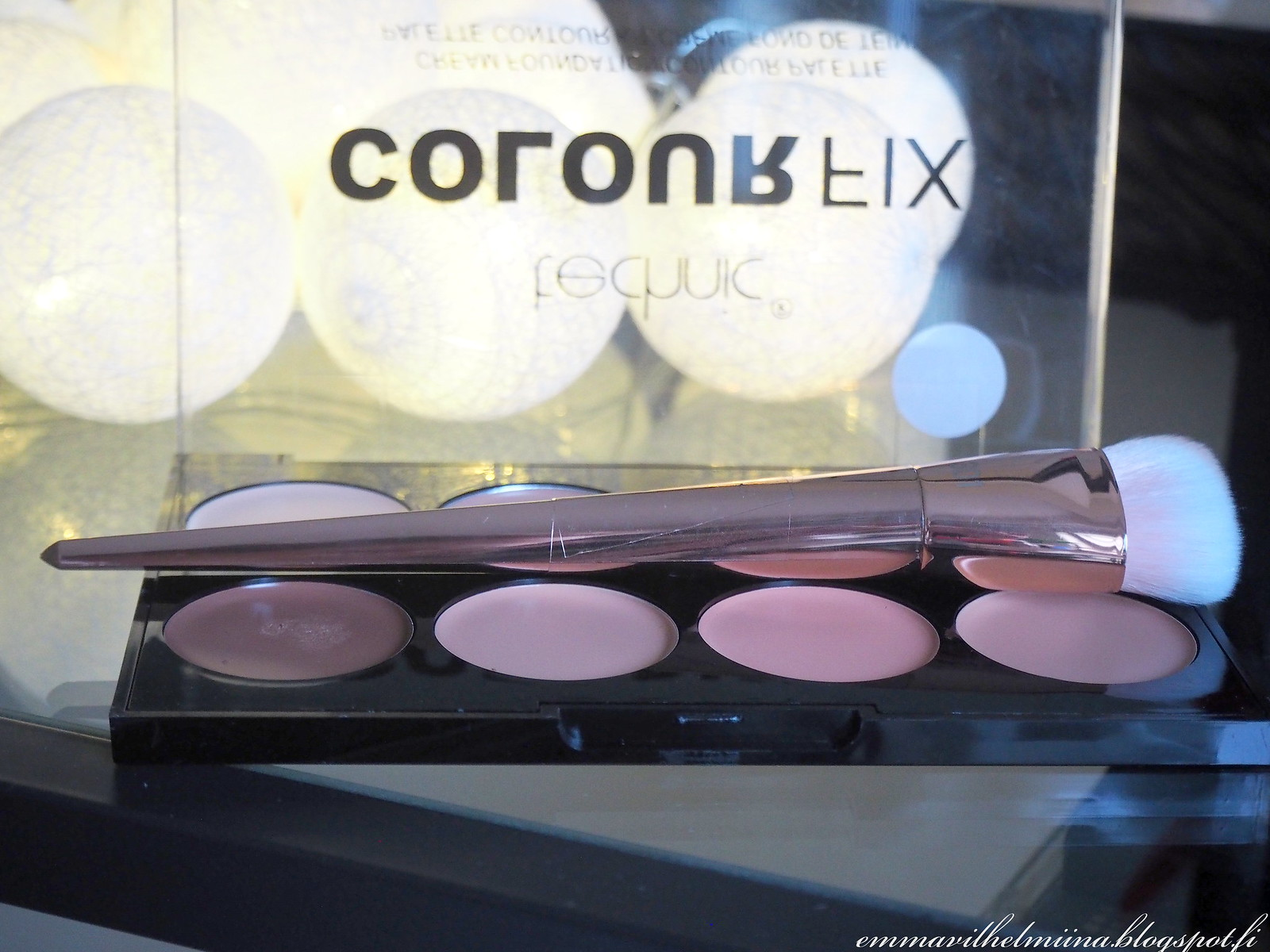 contour palette & brush