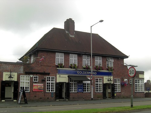 Plymouth Golden Hind Pub Pub In Mannamead Road Flickr