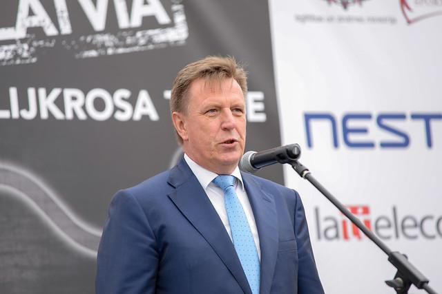 Ministru prezidents Māris Kučinskis piedalās CSDD Biķernieku rallijkrosa trases atklāšanā