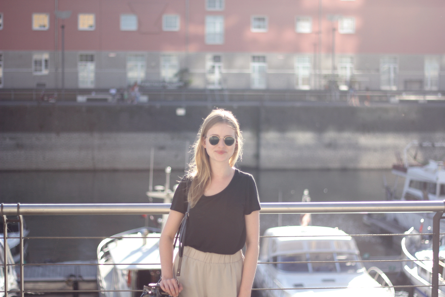 outfit hafen cologne bronde ray ban smile blogger fashion summer sun set