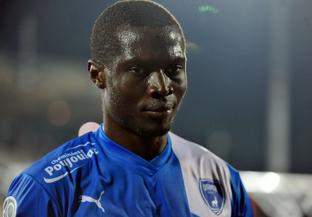 FOOT LIGUE 2 CHAMOIS / TOURS DONA NDOH ANDRE | Flickr - Photo Sharing!