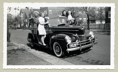 1940 Ford De Luxe Convertible Four Young Ladies Dressed