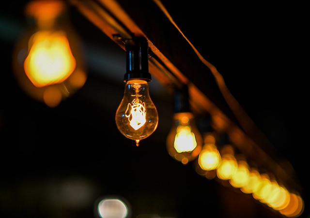 edison bulb bokeh