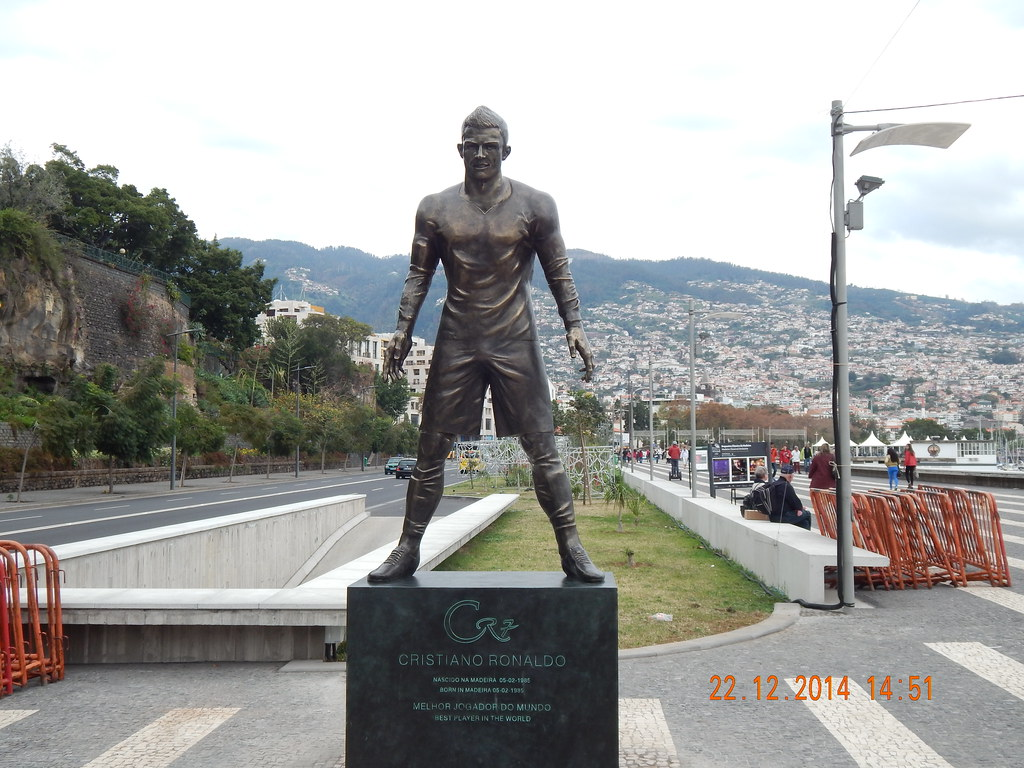 Ilha da Madeira Cristiano Ronaldo Statue 2014   Ilha da ...