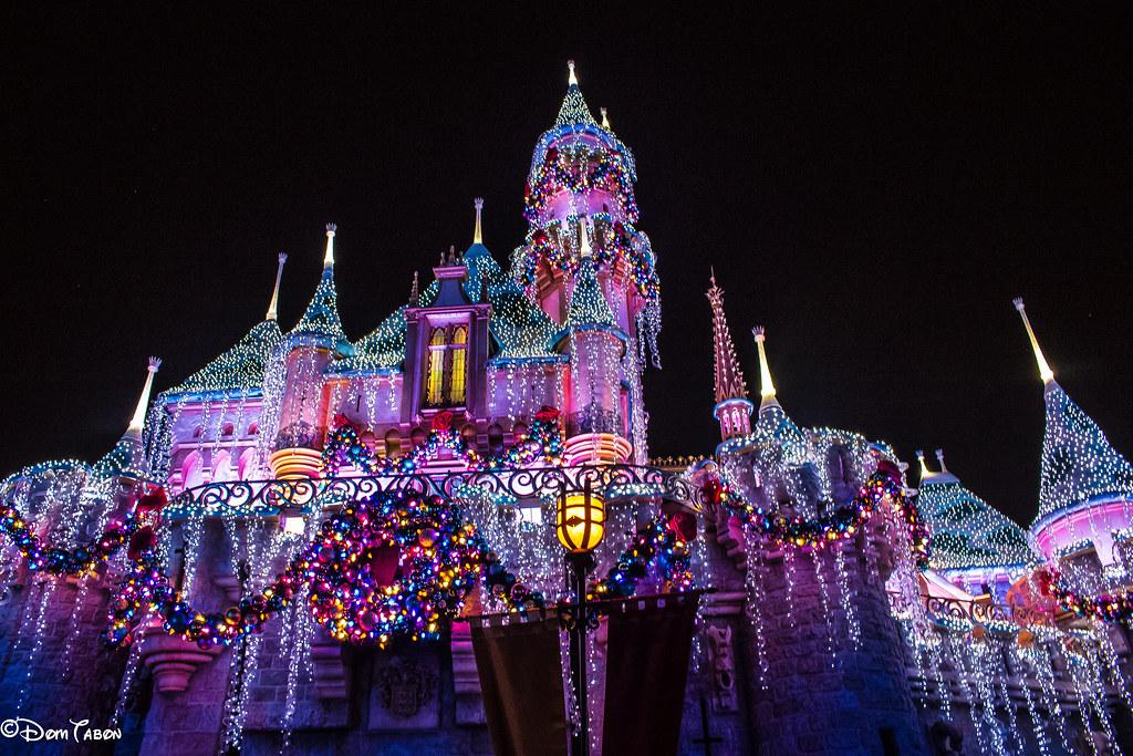 disney castle christmas by domtabon disney castle christmas by domtabon