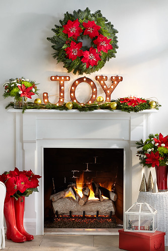 Merry Mantel With Lighted Joy Sign Pine Cuttings With Orna Flickr