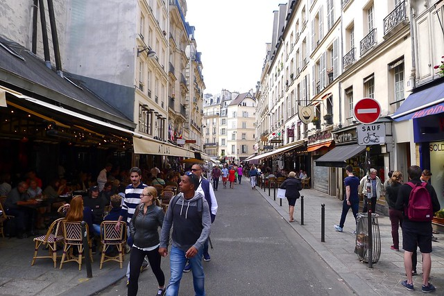 La rue Saint-André-des-Arts, près des Hôtels Paris Rive Gauche - réservez sur notre site web pour le meilleur tarif garanti !