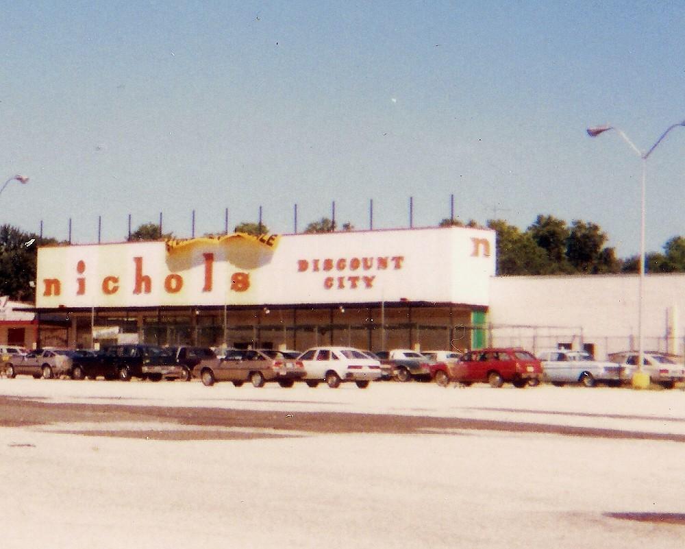Se Nichols 18 Maple Shade Nj S E Nichols Discount City