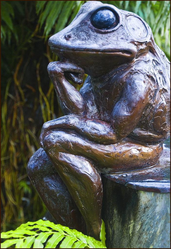 ... Thinkeru0027    Bronze Frog Sculpture At The Na Aina Kai Botanical Gardens.  U0027