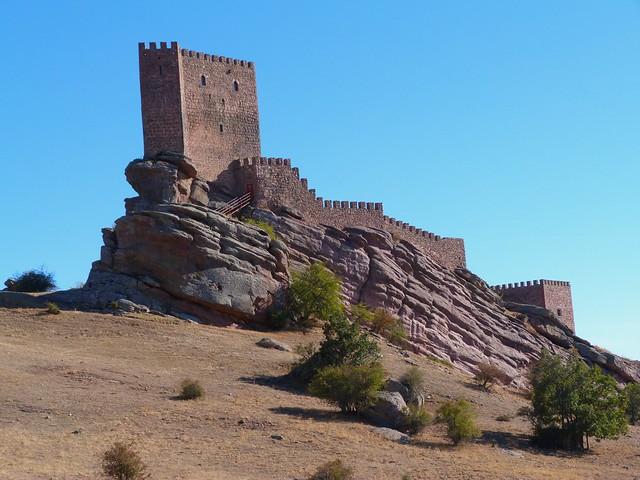 Castillo de Zafra (Guadalajara). Es la Torre de la Alegría de Juego de Tronos