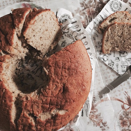 A Banana cake to share | by Cassang