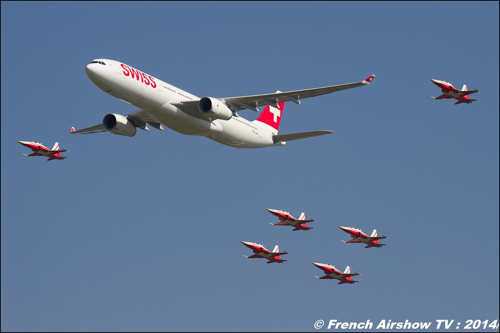 Patrouille Suisse & A-330 Swiss Airlines AIR14 Payerne 2014 Canon Sigma France contemporary lens