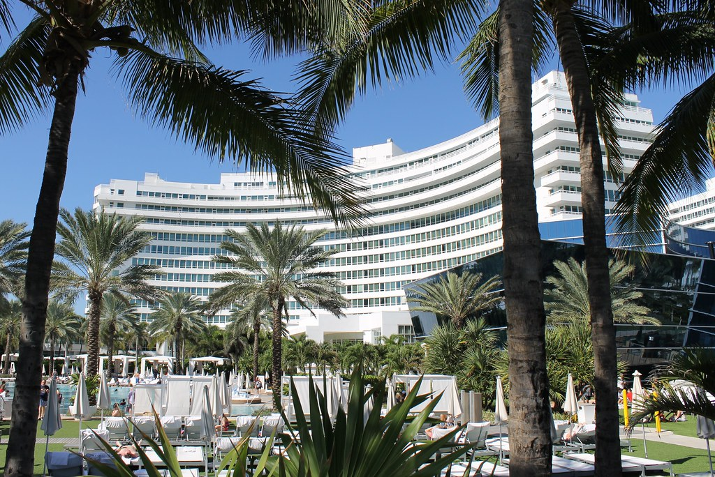 Hot Tub Hammock >> A Tour of Miami's Famous TV and Film Locations