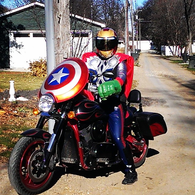 Motorcycle Helmets Dot >> Masei 830 Iron-Man Motorcycle DOT Helmet... Funny Looking ...
