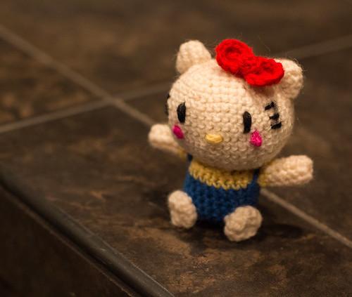 Hello Kitty Hada Amigurumi : Hello Kitty Amigurumi Read about her at curiousity.ca ...