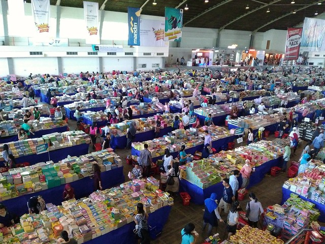 The Big Bad Wolf Book Sale Surabaya, surga buku bagus dan murah