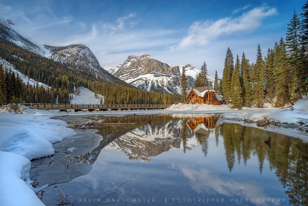 emerald lake at sunset the gorgeous 39 emerald lake 39 in bc. Black Bedroom Furniture Sets. Home Design Ideas
