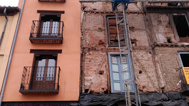 Comparación de un edificio rehabilitado y otro sin rehabilitar