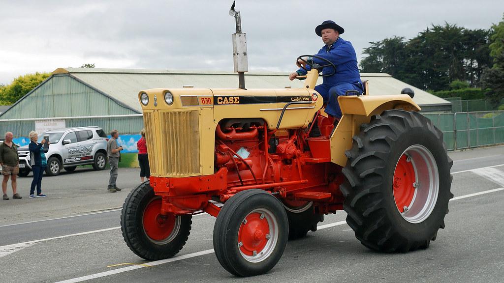 Case Comfort King : Case comfort king tractor crankup days