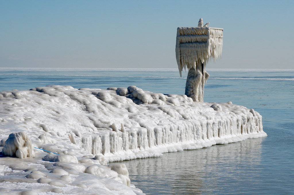 ice robot here s a closer look at that icy breakwater it flickr