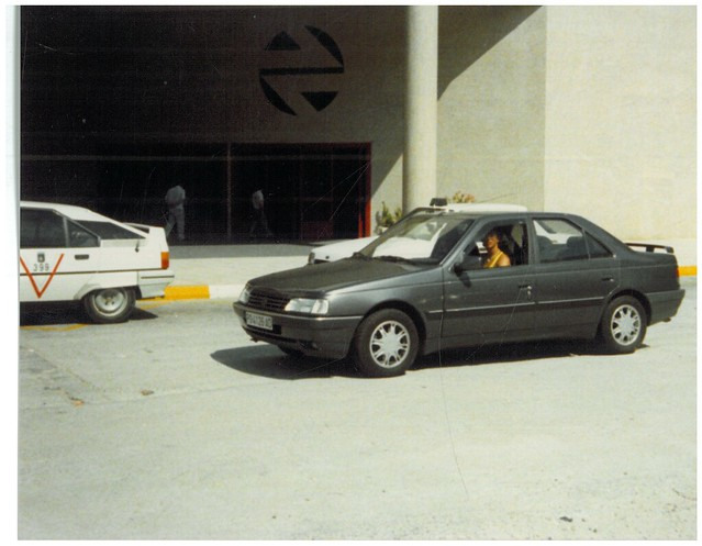 PEUGEOT 405 1.9 SRI (1988)