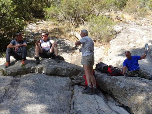 Pause-boisson vers le départ (officiel) du canyoning