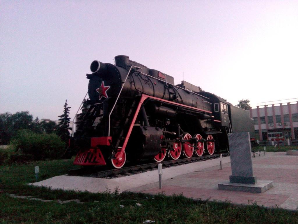 Памятник-паровоз в Сызрани