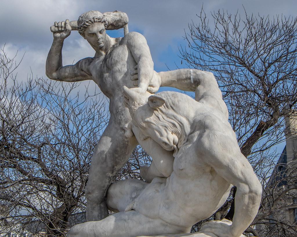 Statue au jardin des tuileries th s e combattant le mino - Sculpture jardin des tuileries ...