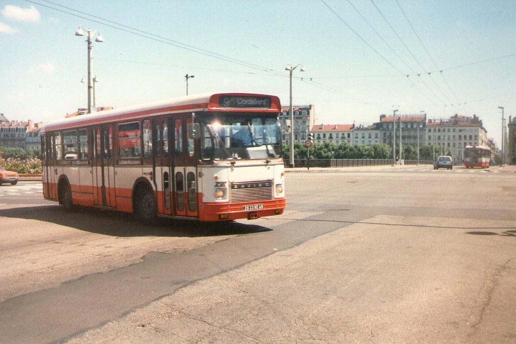 1984 lyon 69 bus tcl saviem sc10 michel tinnirello flickr. Black Bedroom Furniture Sets. Home Design Ideas