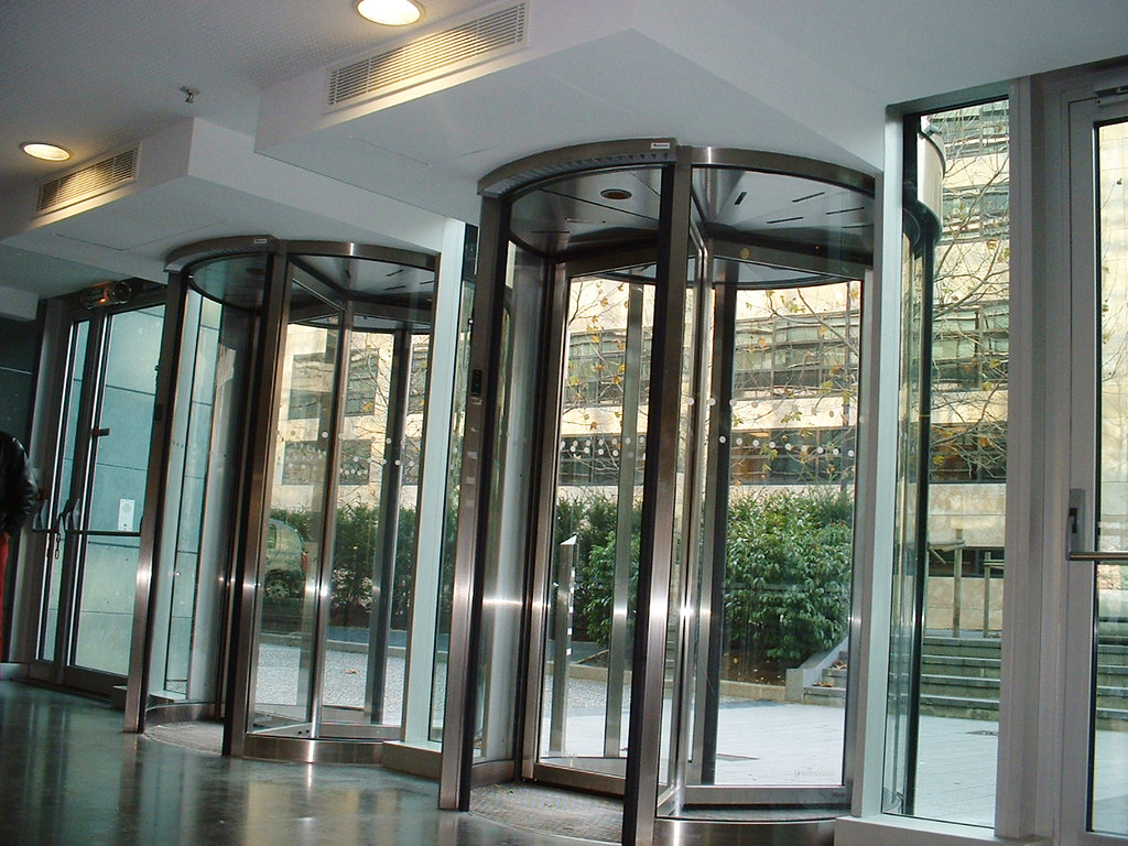 Revolving door air curtains rotowind multiple