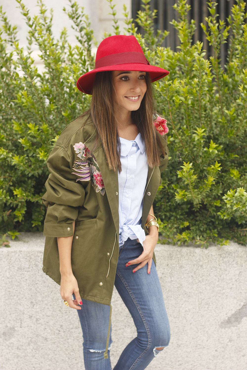 Green Parka Jeans nude heels red uterqüe hat style fashion07