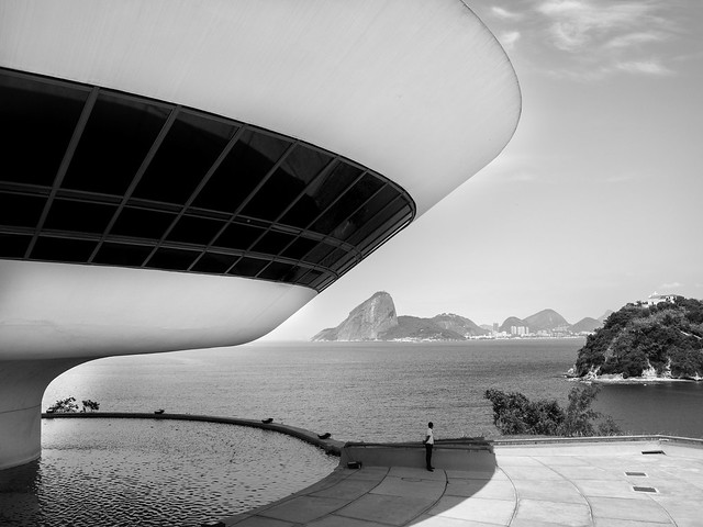 MAC by oscar niemeyer // rio, brazil