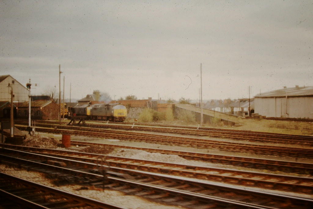 1069 Western Vanguard Class 25 And Class 08 At Taunton Flickr