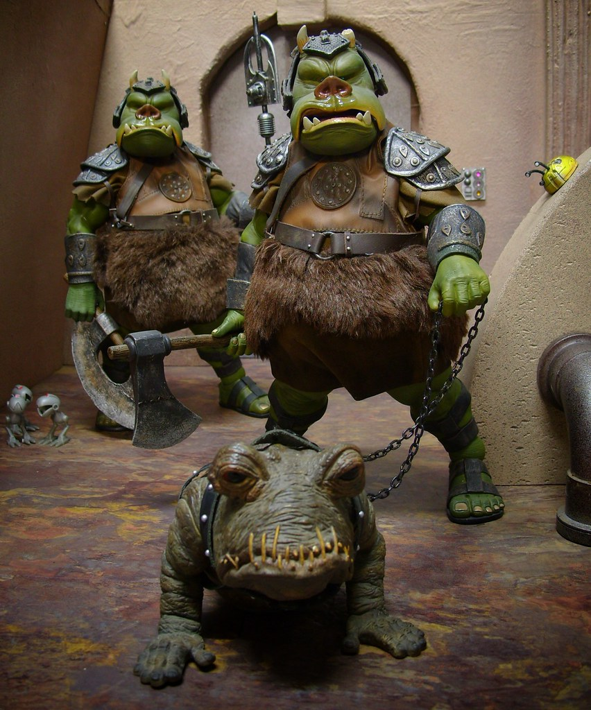 Gamorrean Guards Sideshow Toy S Two Gamorrean Guards