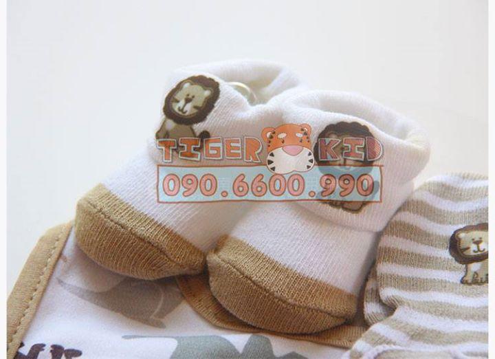 15754694906 91aae8fb22 o MS 129 Giftset gồm 1 bộ bao tay, 1 đôi vớ chân và 1 chiếc yếm cho bé