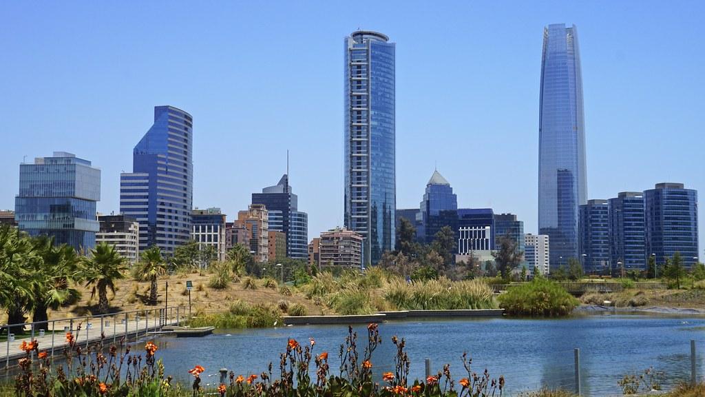 Skyline santiago de chile parque bicentenario for Marmolerias en santiago de chile
