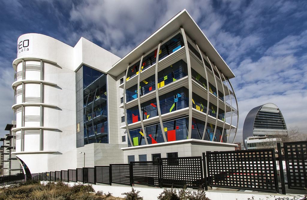 Edificios madrid madrid limpieza de cristales en alturas comienzo de gran va y edificios - Casas singulares madrid ...