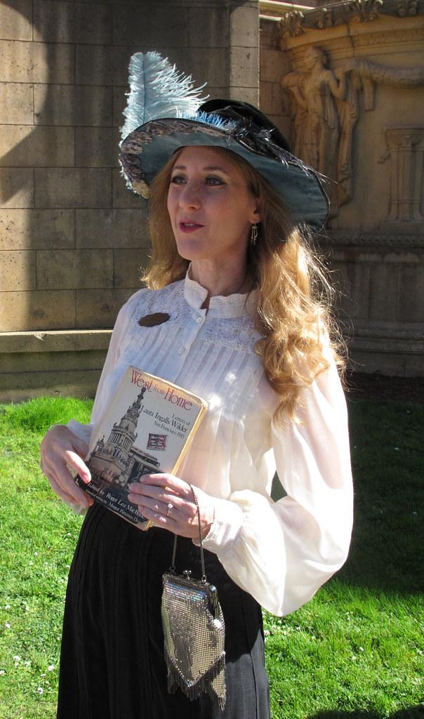 Lauraingallswilder for Laura ingalls wilder wedding dress