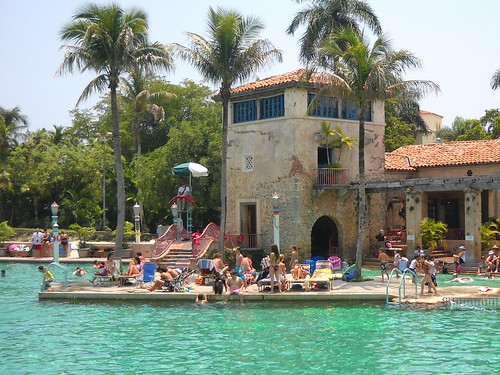 Miami Venetian Pools A Historic Us Public Swimming Pool L Flickr