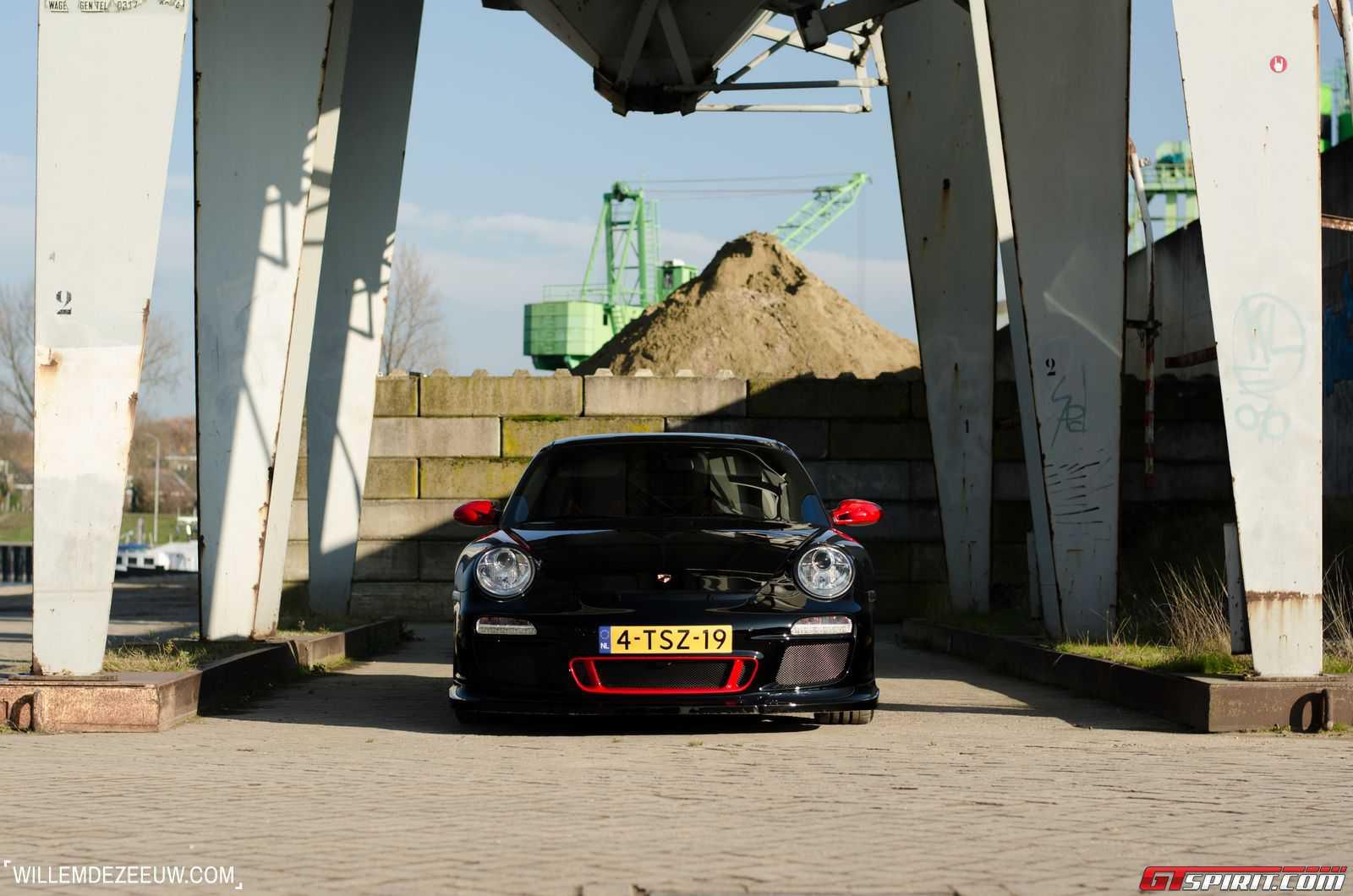 Фото Порше 991 ГТ3 в кузове 997