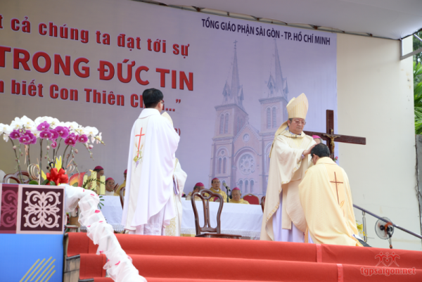 Thánh Lễ Tấn Phong Giám Mục: Đức Cha Phụ Tá Giuse Đỗ Mạnh Hùng