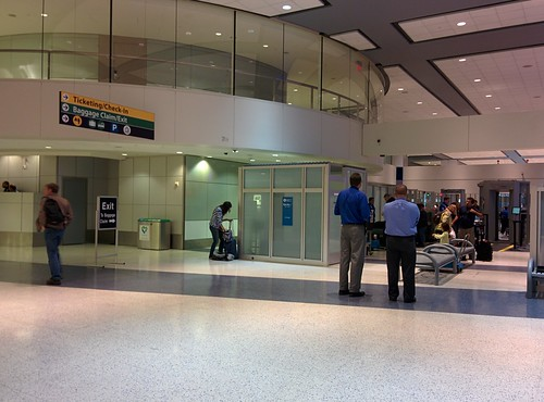 Iah Terminal C Security Check At Bush Airport Tsa Pre