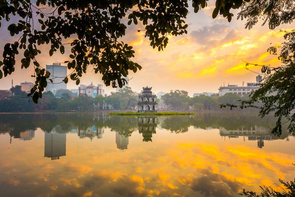 morning in ho n ki m lake ho n ki m lake hanoi vietnam flickr. Black Bedroom Furniture Sets. Home Design Ideas