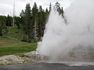 Riverside Geyser eruption (3:40 PM-on, 3 July 2016) 1 | by James St. John