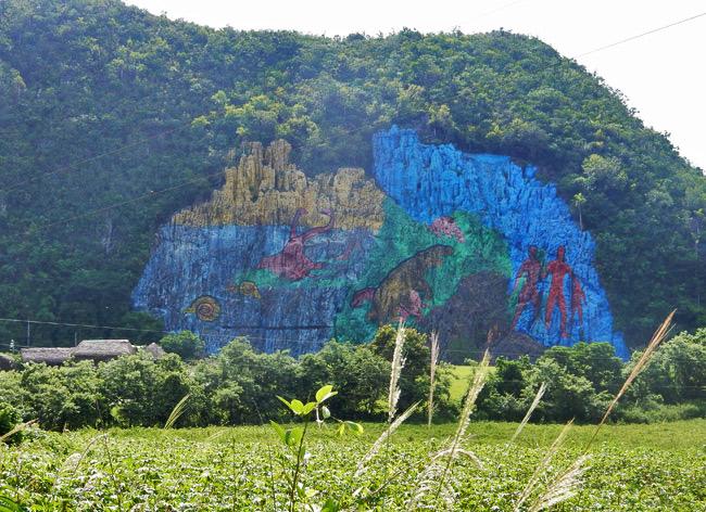 mural-de-la-prehistoria